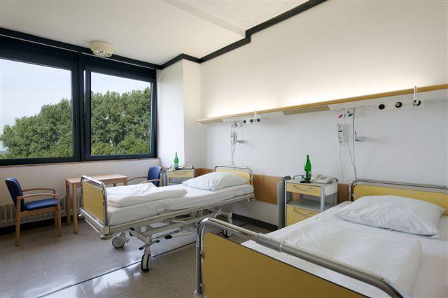 Prof. - Helmut Teschler - Ruhrlandklinik, Westdeutsches Lungenzentrum und Ambulantes Lungenzentrum Essen (ALZ) - Patientenzimmer