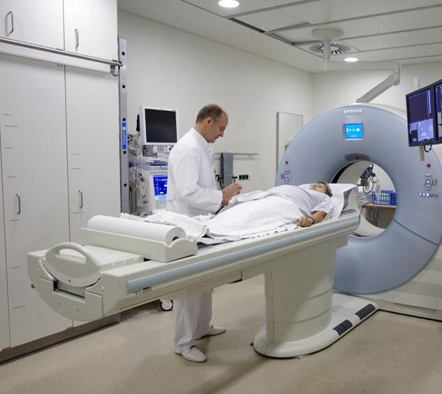 Prof. - Thomas J. Vogl - Klinikum der Johann Wolfgang Goethe-Universität - Untersuchung