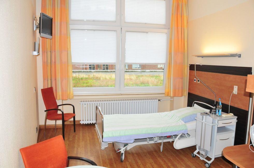 Prof. - Stefan Dazert - St. Josef- und St. Elisabeth-Hospital, Kliniken der Ruhr-Universität Bochum - Patientenzimmer