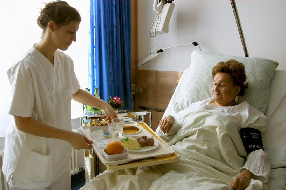 Prof. - Arjang  Ruhparwar - Universitätsklinikum Essen - Westdeutsches Herz- und Gefäßzentrum - Patientenzimmer