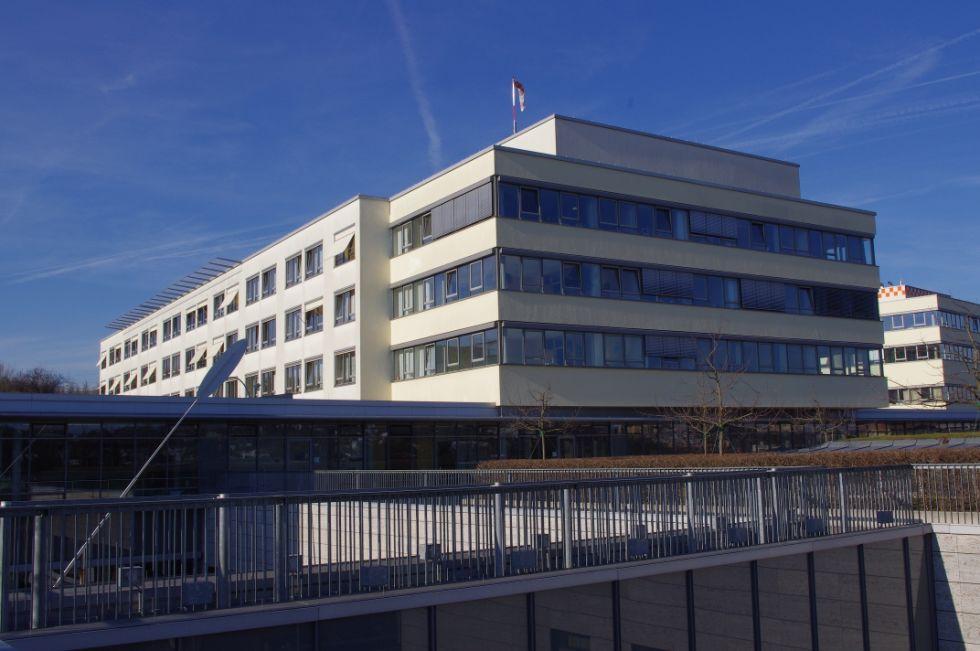 Prof. - Hubertus Riedmiller - Universitätsklinikum Würzburg - Außenansicht