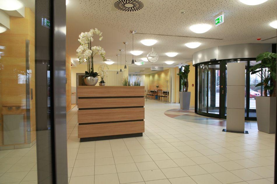 Prof. - Karl-Dieter Heller - Herzogin Elisabeth Hospital - Empfangsbereich