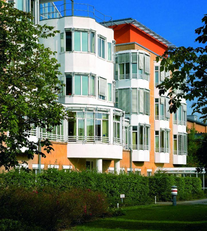 Zentrum für Gelenkmedizin und Wirbelsäulenchirurgie - HELIOS Klinikum Emil von Behring GmbH - Außenansicht