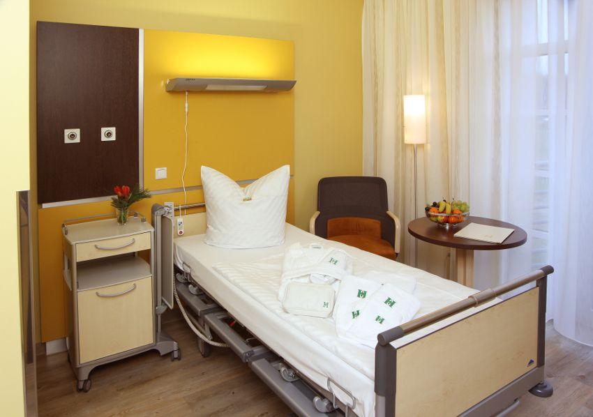 Zentrum für Gelenkmedizin und Wirbelsäulenchirurgie - HELIOS Klinikum Emil von Behring GmbH - Patientenzimmer