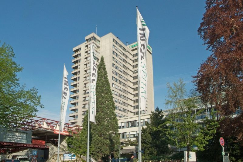 Prof. - Klaus A. Siebenrock - Inselspital, Universitätsspital Bern - Außenansicht