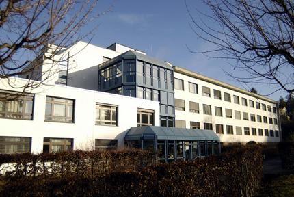 Dr. - Philippe Glauser - Spital Dornach