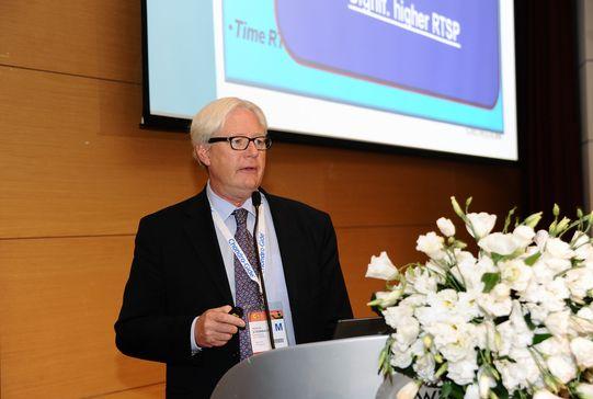 Prof. - Matthias Steinwachs - Klinik Hirslanden