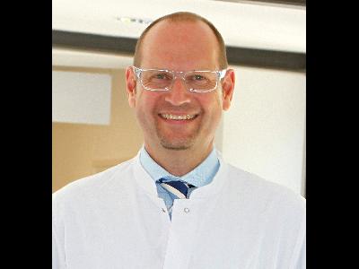 PD Dr. med.  Ralf Decking